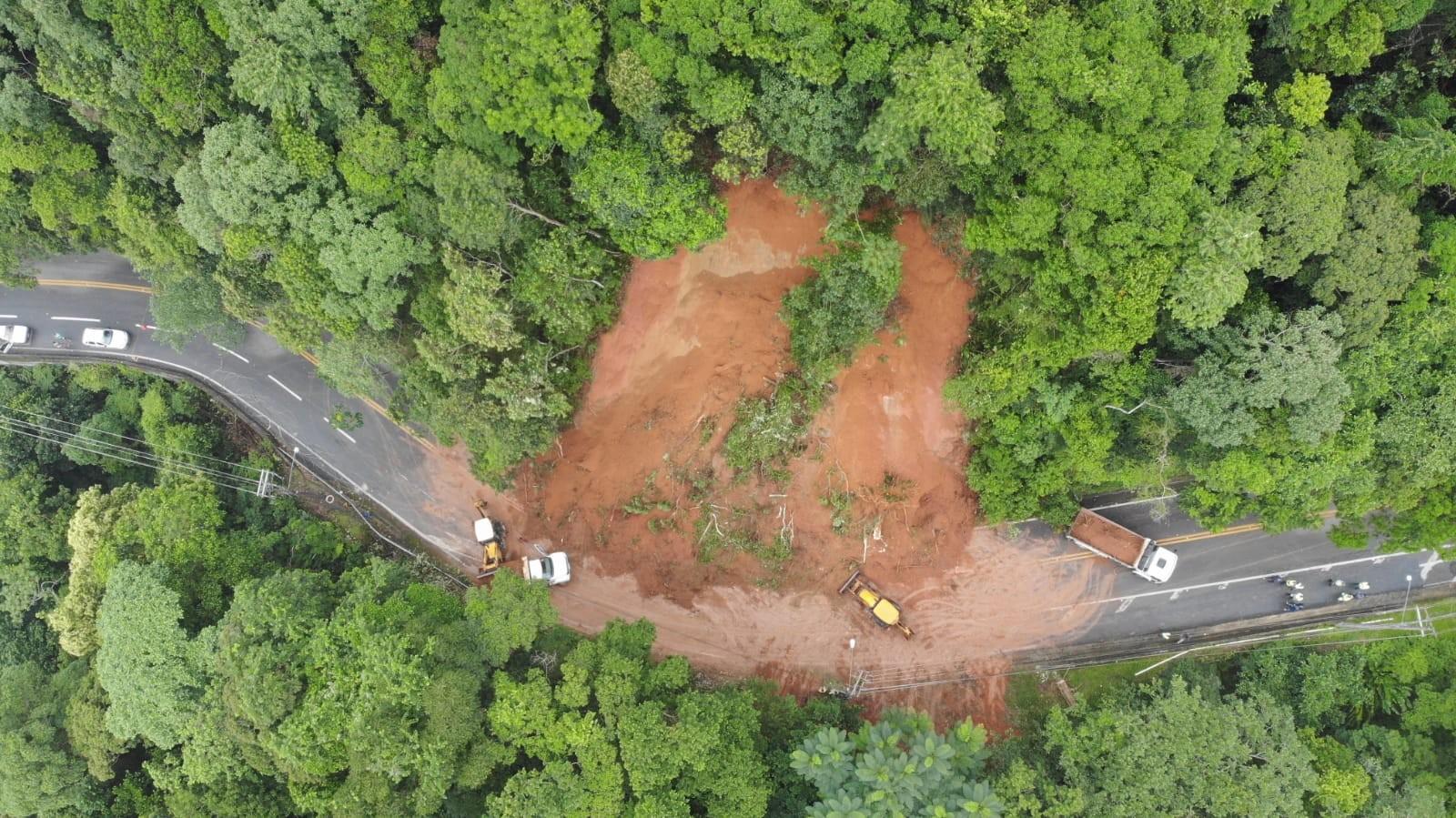 Rodovia Rio-Santos é liberada após mais de um dia de interdição