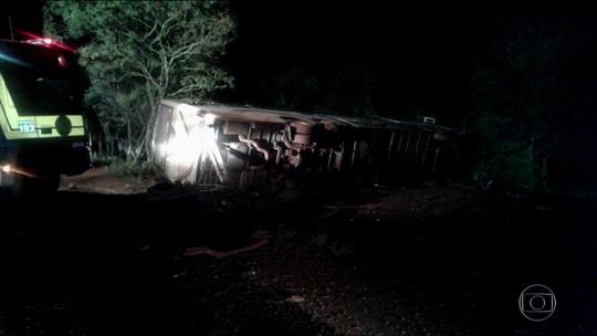 Quatro mortas em acidente com carro e ônibus são identificadas em SC