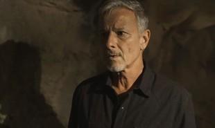 Na segunda-feira (15), Sampaio (Marcello Novaes) procurará Murilo (Eduardo Moscovis) no casarão e insinuará que ele está envolvido com a morte de Feliciano (Leopoldo Pacheco) | TV Globo