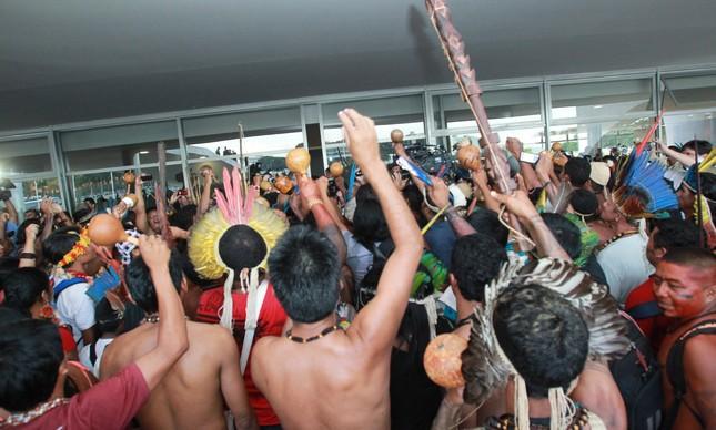 Protesto indígena no Palácio do Planalto, em 2013