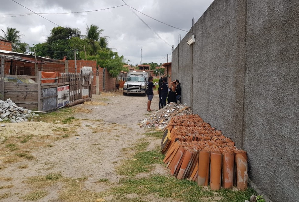 A vítima vendia lanches mas segundo a polícia comandava o tráfico de drogas na região. — Foto: Ricardo Mota/TV Diário