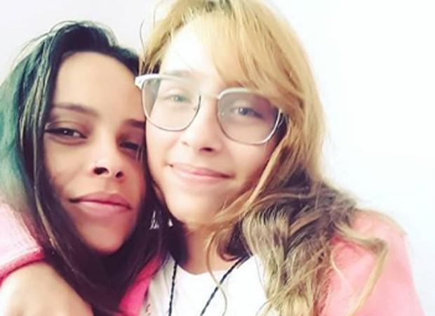 Gisele Frade e a filha mais velha, Lolita Flor (Foto: Reprodução/Instagram)