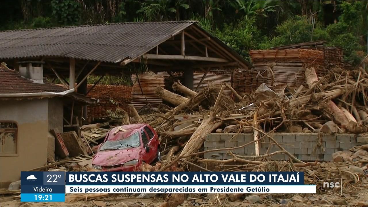 Buscas a desaparecidos são suspensas no Vale do Itajaí
