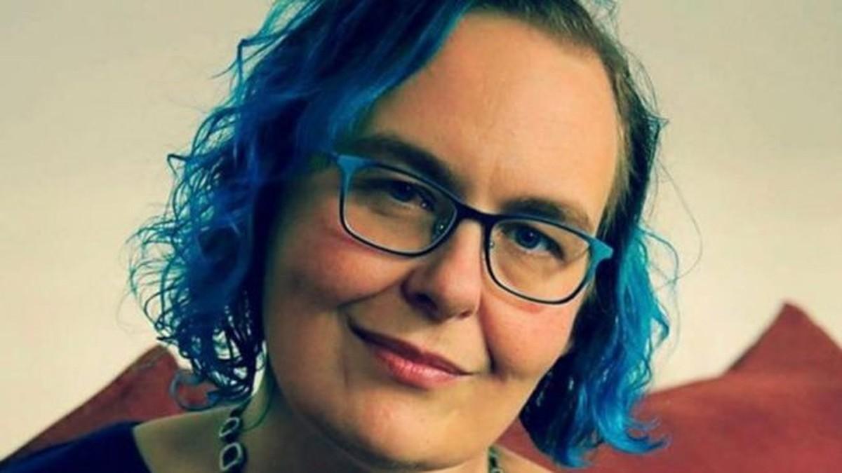 O distúrbio que leva uma mulher a conviver com cinco vozes em sua cabeça