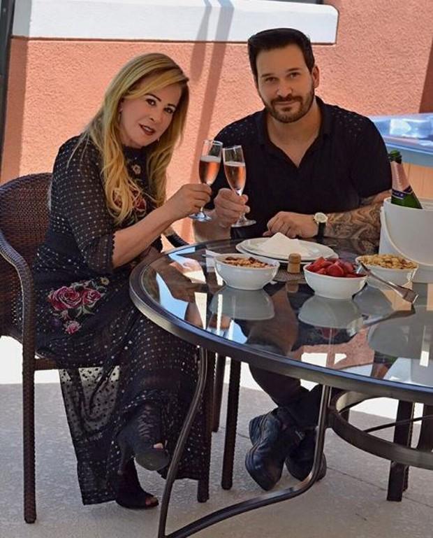 Zilu com o namorado, Marco Antonio Ruggiero (Foto: Reprodução/Instagram)