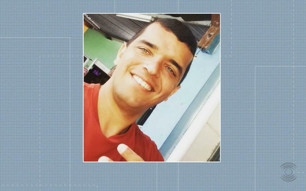 Radialista Joacir Oliveira Filho foi assassinado dentro de um restaurante no centro de Campina Grande — Foto: Reprodução/TV Paraíba