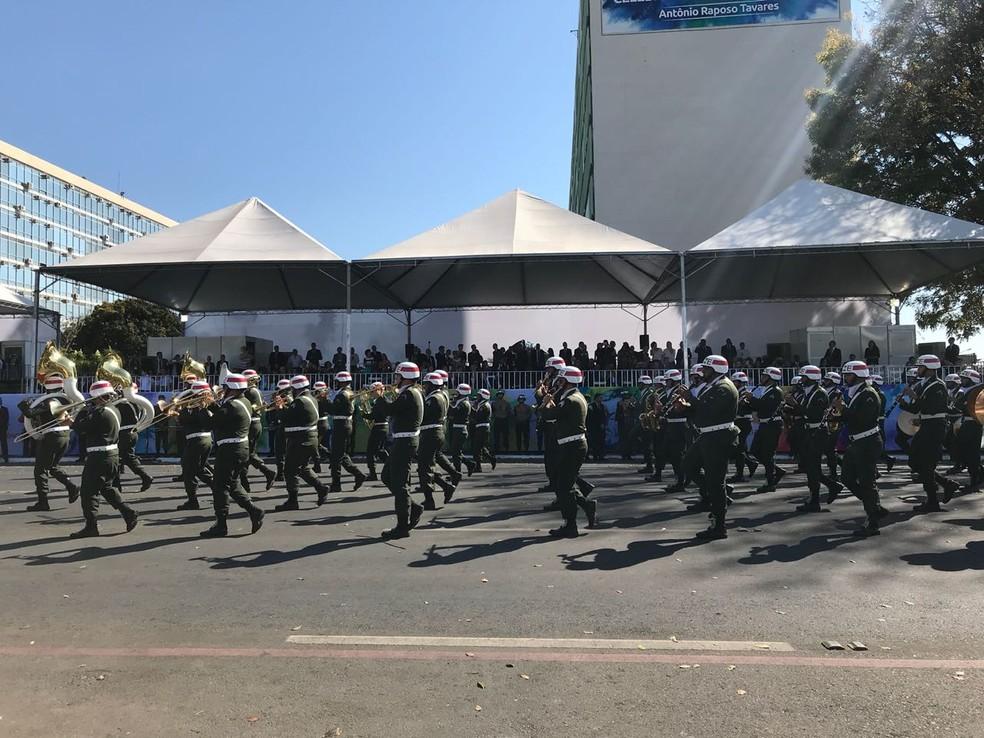 Militares em desfile de 7 de setembro, em Brasília — Foto: Lais Lis/G1