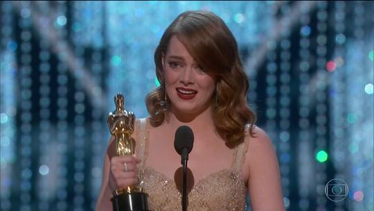 Cerimônia do Oscar não deixa passar em branco polêmicas de Trump