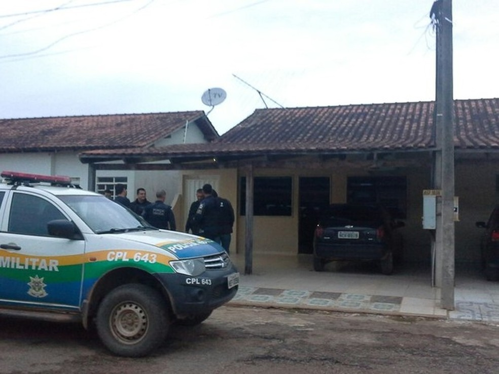 Corpo foi encontrado na tarde do dia 18 de março, horas depois do assassinato. — Foto: Cléo Subtil/ Rede Amazônica
