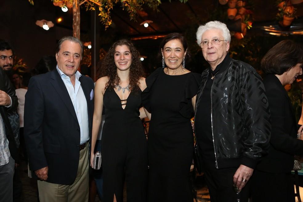 Tony Ramos, Giulia Figueiredo, Lília Cabral e Agnaldo Silva no lançamento de O Sétimo Guardião — Foto: Isabella Pinheiro/Gshow