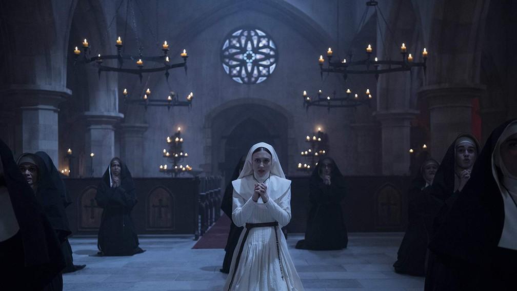 -  Taissa Farmiga em cena de   39;A freira  39;  Foto: Divulgação