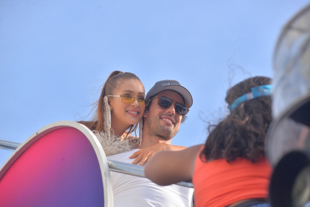 Marina Ruy Barbosa e o marido no trio de Ivete Sangalo — Foto: Joilson César/Ag Haack