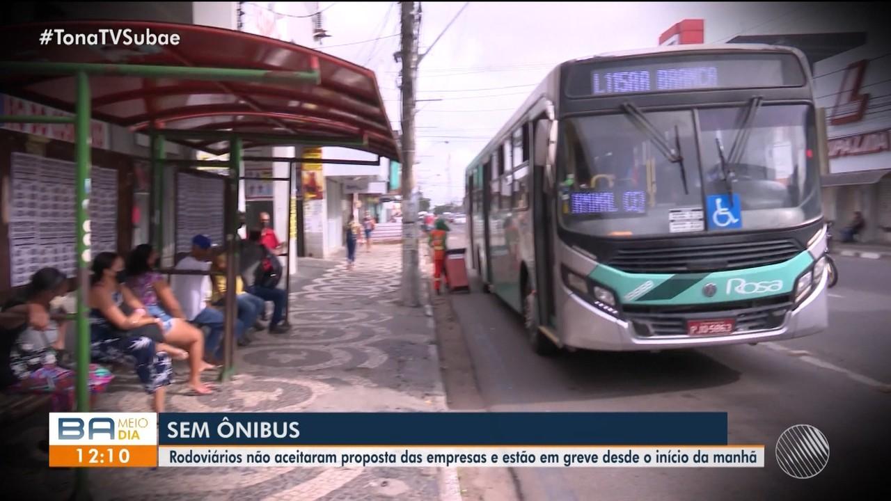 Rodoviários paralisam devido atraso nos pagamentos de salários em Feira de Santana