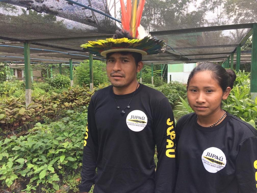 Awapu e a esposa Juwi Uru-Eu-Wau-Wau foram ameaçados de morte em Rondônia. — Foto: Ana Kézia Gomes/G1