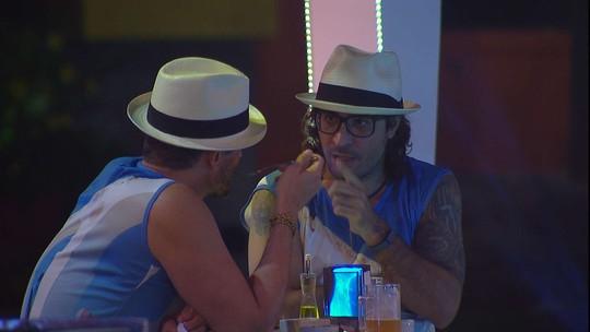 Marcos sobre disputa dos gêmeos pra ficar no BBB17: 'Antônio saiu porque era muito infantil'