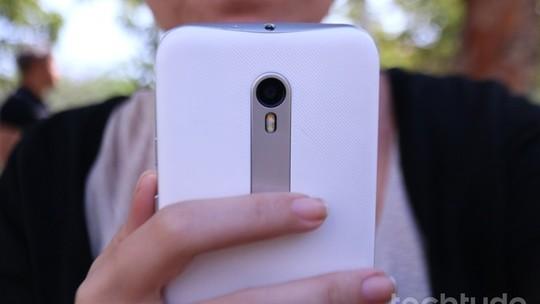 Foto: (Moto G 3 é um smartphone intermediário com especificações interessantes (Foto: Luana Marfim/TechTudo))