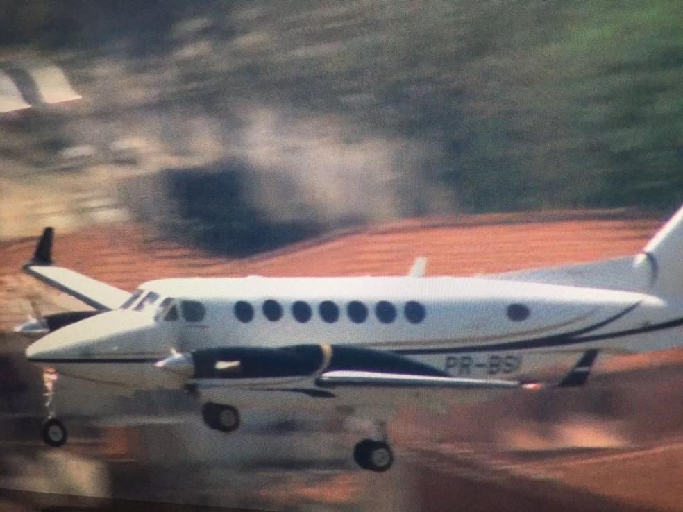Avião com Joesley pousa em Congonhas (Foto: Reprodução/TV Globo)