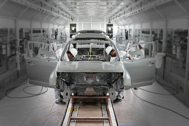 Linha de montagem da fábrica da FCA em Goiana (Foto: FCA)