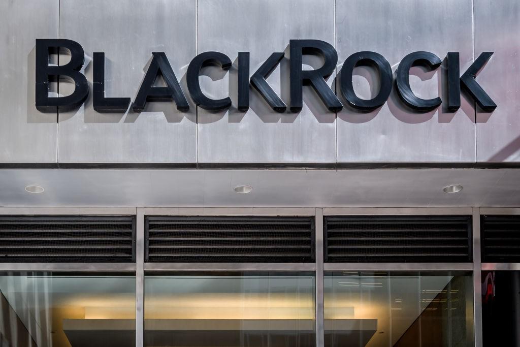 BlackRock adota postura mais rígida sobre crise climática após pressão de ativistas