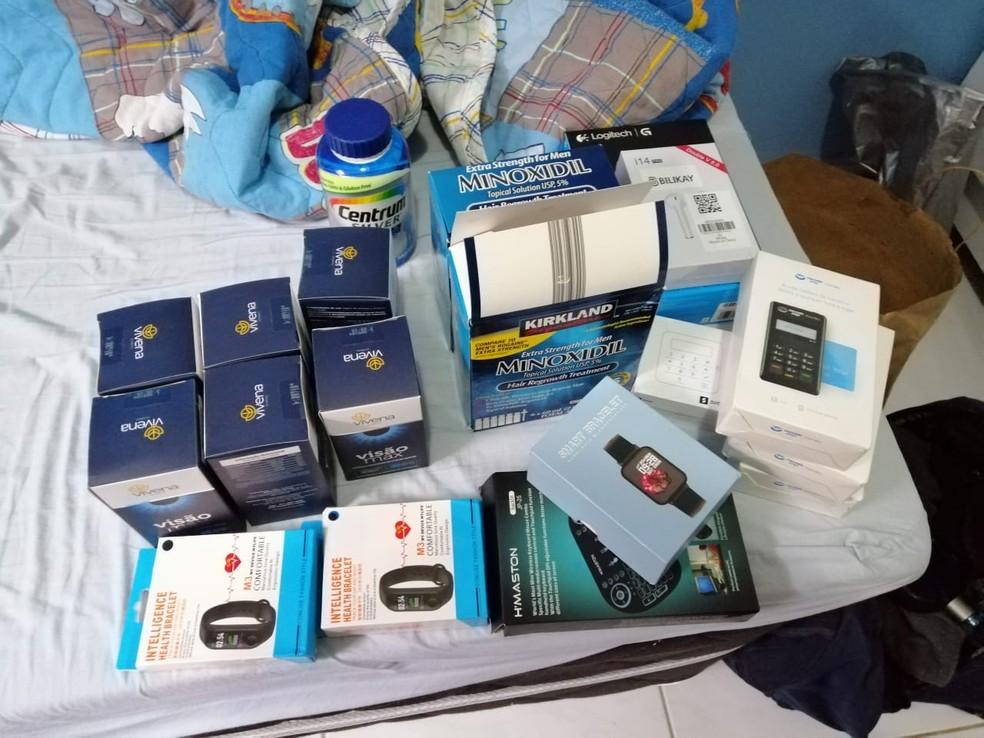 Alguns produtos foram encontrados pela Polícia Federal na casa dos investigados, em Araruna, na Paraíba — Foto: Polícia Federal/Divulgação