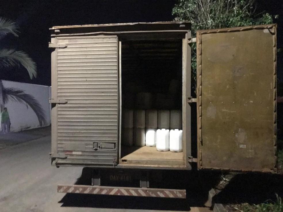Polícia recupera carga avaliada em 1,2 milhão em agrotóxico em Lucas do Rio Verde — Foto: Polícia Civil de Mato Grosso/Assessoria