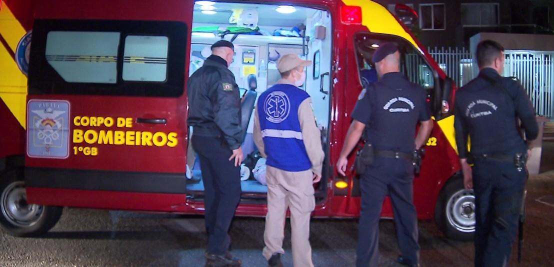 Homem assalta ônibus, em Curitiba, com arma de brinquedo
