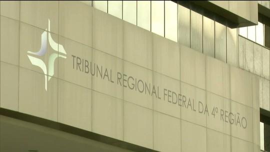TRF-4 bloqueia R$ 3,5 bilhões de políticos, empresas e partidos
