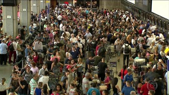 Aeroporto de Guarulhos tem 35% dos voos com atraso ou cancelamento