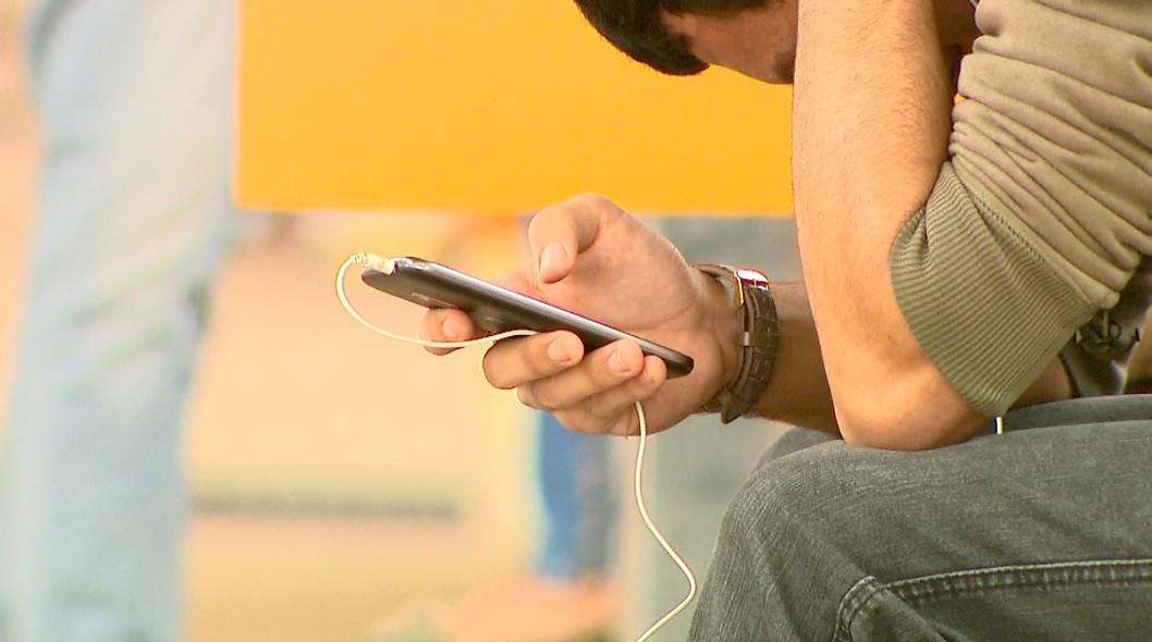 Número de furtos e roubos de celulares no Paraná diminui 23% no 1º semestre de 2020, diz Sesp