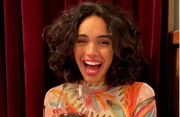 Giovana Cordeiro cortou o cabelo para interpretar uma garota de programa em 'Pantanal' (Foto: Reprodução/Instagram)