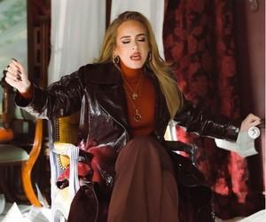 Adele revela que amigos mais íntimos não curtiram sua nova música