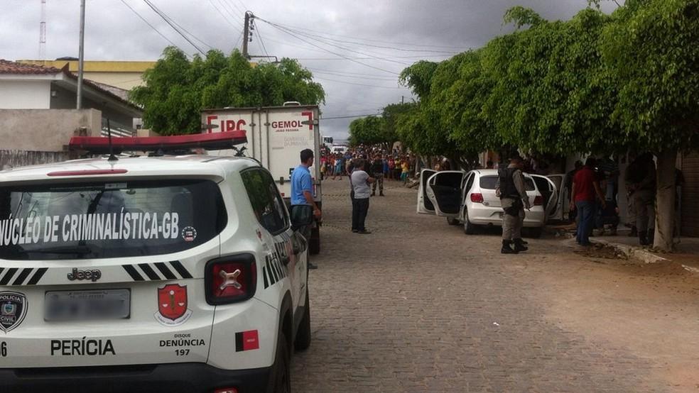 Comerciante reage a assalto e mata quatro suspeitos em Cacimba de Dentro, PB (Foto: João Paulo Medeiros/TV Paraíba)