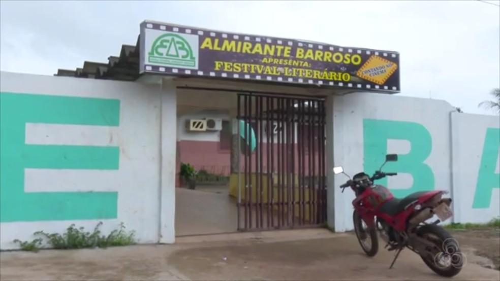 Escola Estadual Almirante Barroso, em Santana — Foto: Reprodução/Rede Amazônica