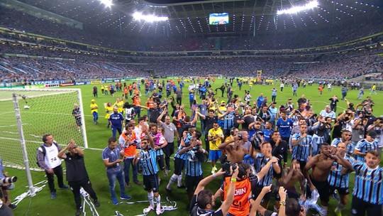"""""""Um minuto de silêncio"""": Grêmio volta a provocar Inter em festa do título do Gauchão"""