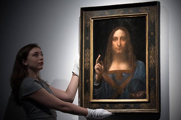 A pintura Salvatore Mundi foi leiloada por US$ 450 milhões em 2017 (Foto: Getty Images)