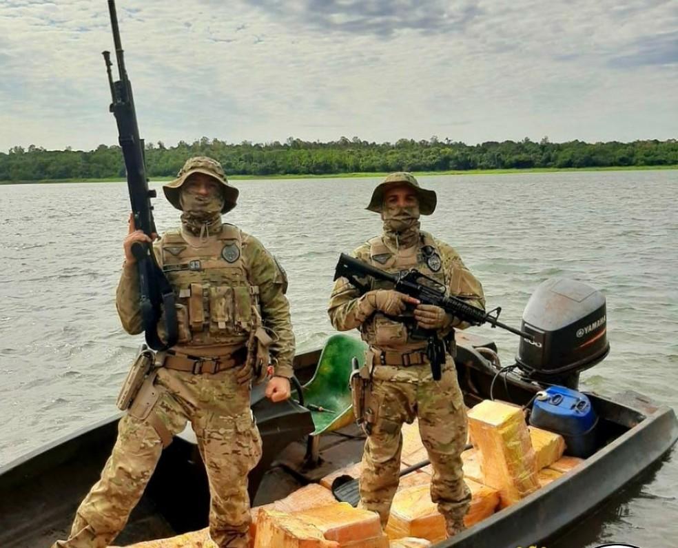 Maconha foi apreendida durante patrulhamento da Operação Hórus — Foto: PM/Divulgação