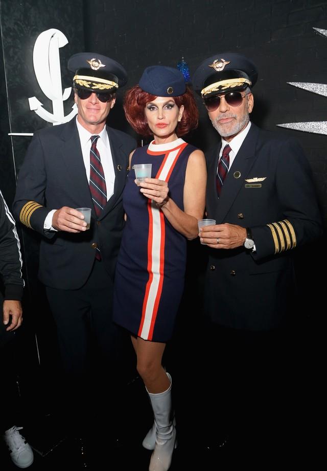 Rande Gerber, Cindy Crawford e George Clooney na festa da tequila Casamigos, em Las Vegas (Foto: Getty Images)