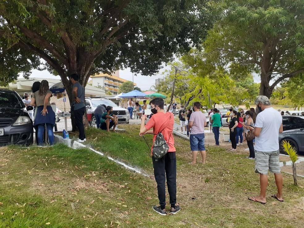 ENEM 2020 - 17/01/2021 - Candidatos chegam para primeiro dia de provas na Universidade Federal do Rio Grande do Norte.  — Foto: Julianne Barreto/Inter TV Cabugi