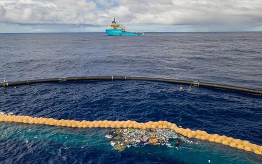 ONG constrói barreira para filtrar plástico de região do Oceano Pacífico