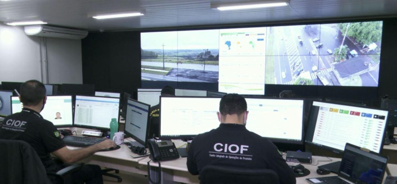 Forças de segurança fazem operação contra crime organizado nas regiões de fronteira, em Foz do Iguaçu