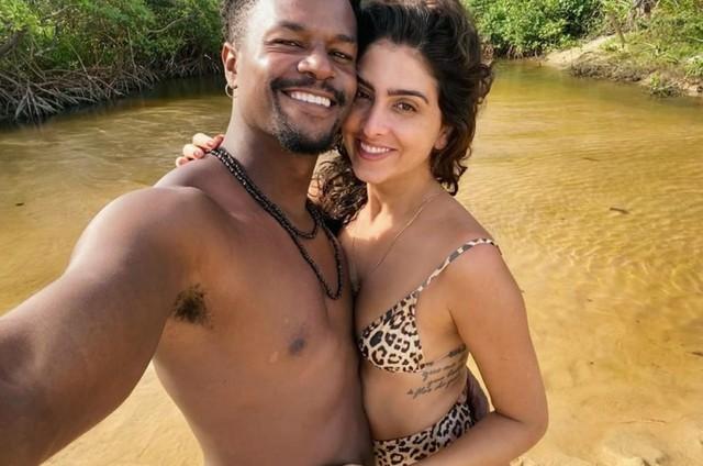 David Júnior e Yasmin Garcez estão na Bahia (Foto: Arquivo pessoal)