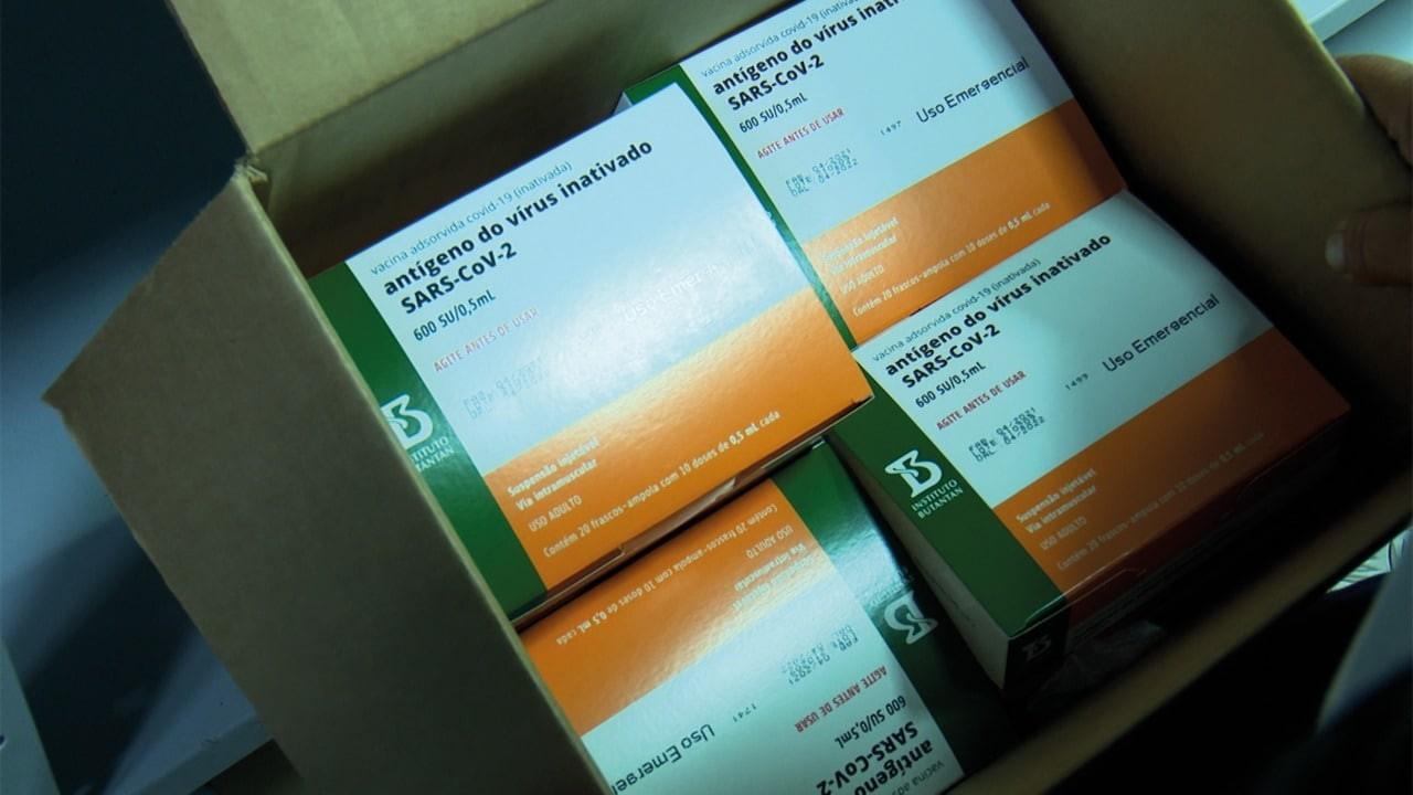 Maranhão recebe mais de 27 mil doses da CoronaVac