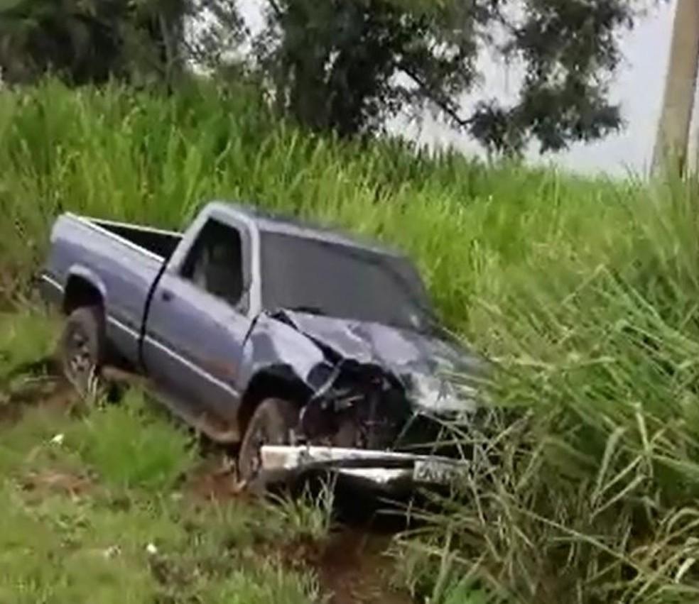 Motorista da caminhonete não ficou ferido (Foto: Arquivo Pessoal)
