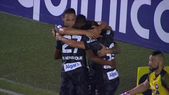 """""""Faltou tranquilidade"""", diz Fabiano Soares sobre a derrota do Atlético-PR para o Santos"""