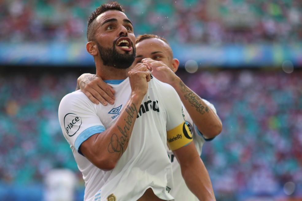 Maicon é uma das baixas contra o Sport (Foto: Tiago Caldas/Agência Estado)