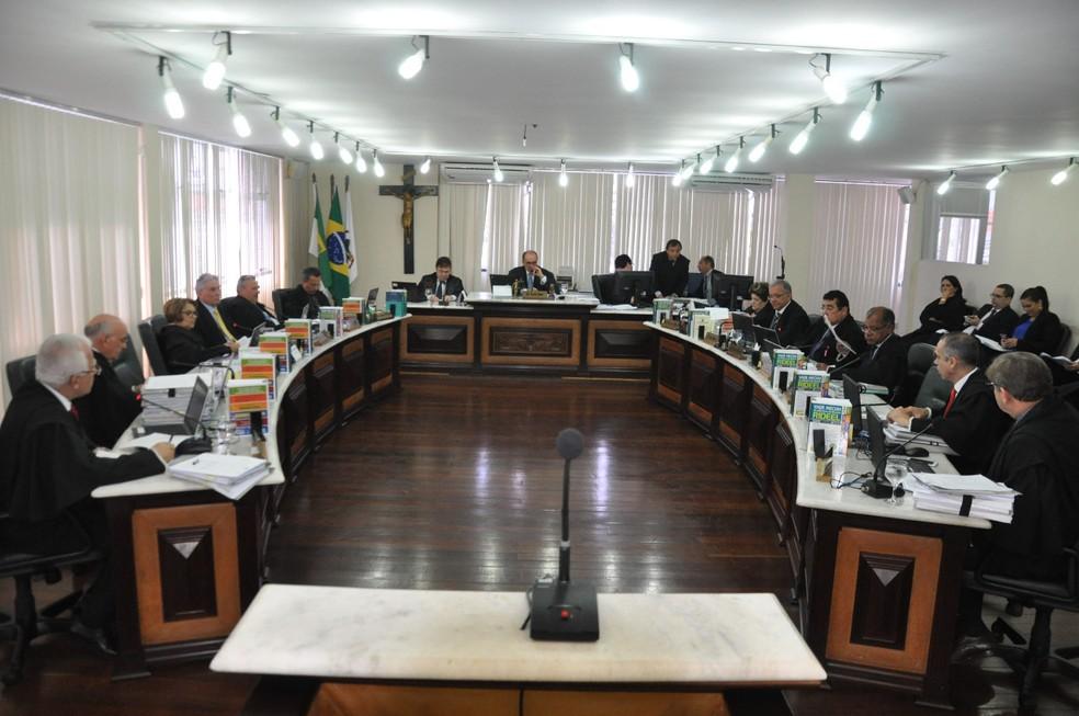 Oito dos quinze desembargadores do TJRN alegaram suspeição para julgar o deputado Ricardo Motta e processo foi remetido ao STF — Foto: Emanuel Amaral/Tribuna do Norte/Arquivo