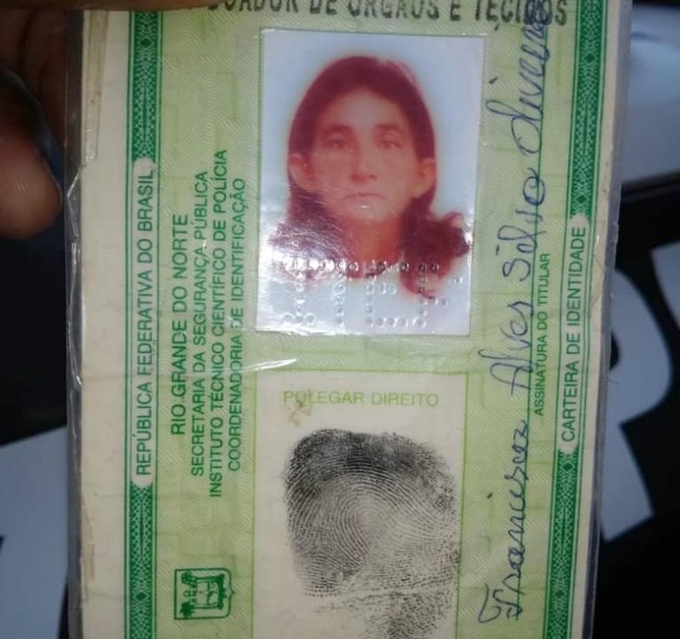 Agricultora Francisca Alves Silva Oliveira, de 68 anos, foi baleada e morreu na hora — Foto: PMRN/Divulgação