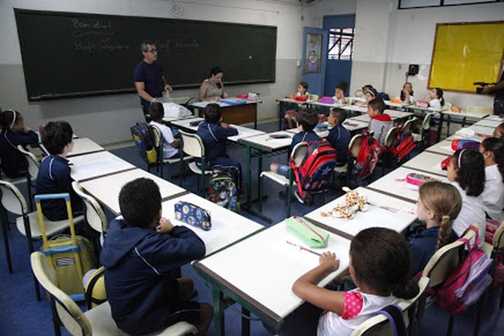 Meta 2 do PNE determina que, até 2024, 100% das crianças de 6 a 14 anos estejam cursando ou já tenham concluído o ensino fundemental — Foto: Rogerio Bomfim/Prefeitura de Santos