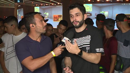 "Bruno ""Playhard"" arrasta multidão na decisão da Pro League de Free Fire e explica mais sobre o Battle Royale"