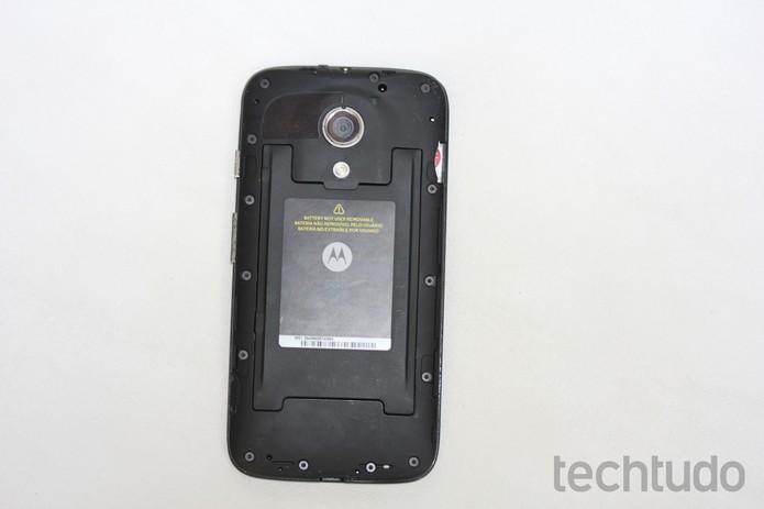 Chip totalmente inserido no Moto G (Foto: Reprodução/TechTudo)